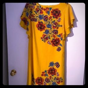 Cute yellow Cato dress knees length